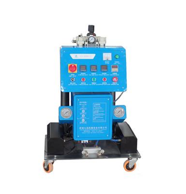 Q2600(D)系列聚氨酯材料发泡机